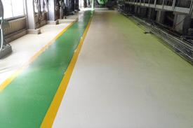 写真:製紙工場塗床