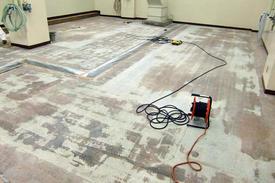 写真:化粧品工場塗床下地処理