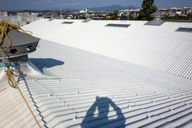 写真:スレート屋根塗装後