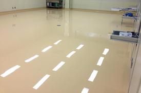 写真:食品工場充填室塗床工事