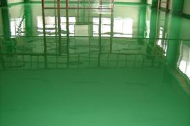 写真:プラスチック加工工場塗床工事