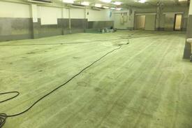 写真:工場床改修工事下地処理