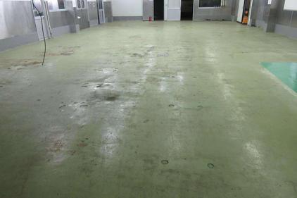 写真:工場床改修工事前
