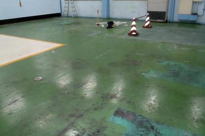 写真:部品工場塗床工事前
