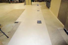 写真:漬物工場塗床工事