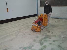 写真:塗床工事下地処理