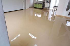 写真:化学工場内食堂塗床工事
