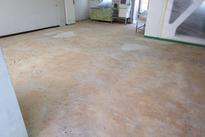 写真:食堂塗床工事下地処理