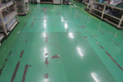 写真:自動車部品製造工場塗床工事施工前