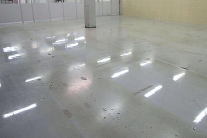 写真:工場内塗床工事施工前