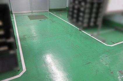 写真:塗床下地処理施工前