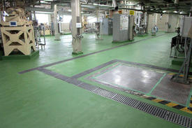 写真:化粧品製造工場水硬ウレタン塗床改修工事