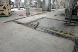 写真:化粧品製造工場水硬ウレタン塗床工事下地処理