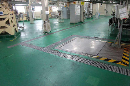 写真:化粧品製造工場水硬ウレタン塗床工事