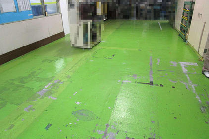 写真:自動車部品工場塗床工事施工前