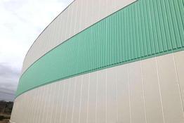写真:化学工場倉庫外壁塗装補修工事