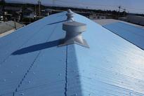 写真:スレート屋根塗装工事