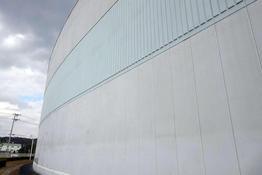 写真:化学工場倉庫外壁塗装補修工事施工前