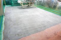 写真:自動車部品工場塗床工事下地処理