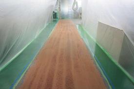 写真:自動車部品工場塗床工事 通路変更 下地処理