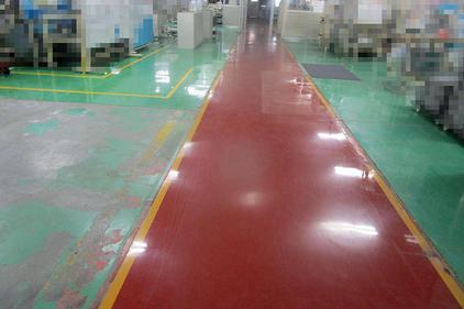 写真:自動車部品工場塗床工事 通路変更 施工前