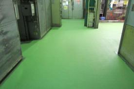 写真:蒸着工場水系硬質ウレタン樹脂塗床工事