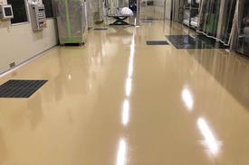 写真:クリーンルームの帯電防止塗床工事