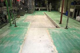 写真:飲料工場 メタクリル樹脂 塗床工事 下地処理 牛乳 乳製品
