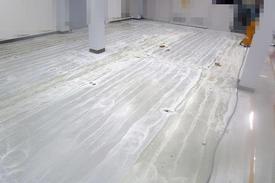 写真:工場 エポキシ樹脂 塗床工事 塗り床工事 床塗装 床改修 施工例 防塵床 下地処理