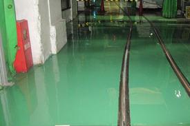 写真:製紙工場 エポキシ樹脂 塗床工事 塗り床工事 床塗装 床改修 施工例 防塵床