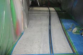 写真:製紙工場 エポキシ樹脂 塗床工事 塗り床工事 床塗装 床改修 施工例 防塵床 下地処理