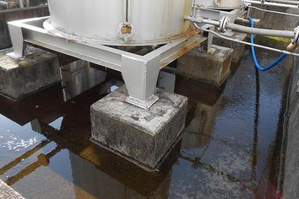 写真:タンク塗装 防油堤防水塗装