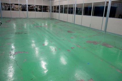 写真:自動車 工場 エポキシ樹脂 塗床工事 塗り床工事 床塗装 床改修 施工例 防塵床