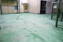 写真:工場 倉庫 メタクリル樹脂 塗床工事 塗り床工事 床塗装 床改修 施工例 防塵床 MMA 下地処理 旧塗膜撤去 下地研磨 研削